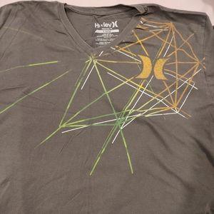 Hurley V-Neck T-shirt size XL